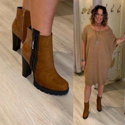 Saskia Suede camel boots