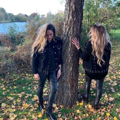 Kristin suede baby rib jacket met zilveren studs - ZWART
