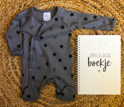 Newborn boxpakje star grey